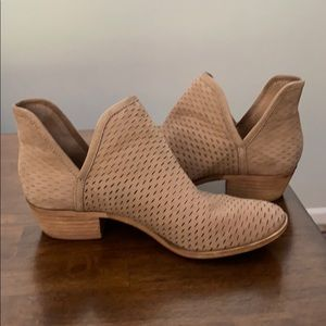 Lucky Brand ankle slit taupe booties 6.5